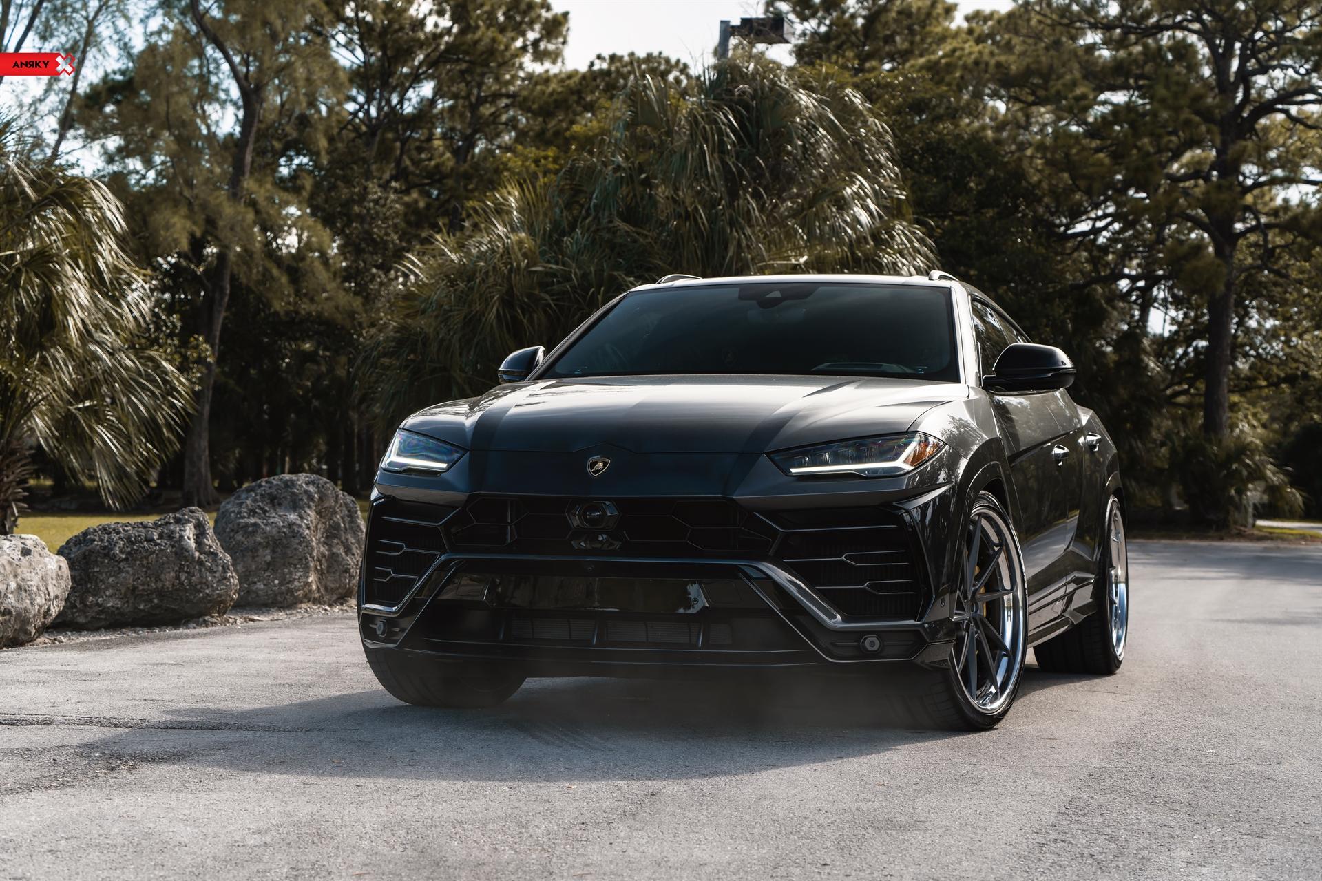 Lamborghini Urus – AN33 SeriesTHREE