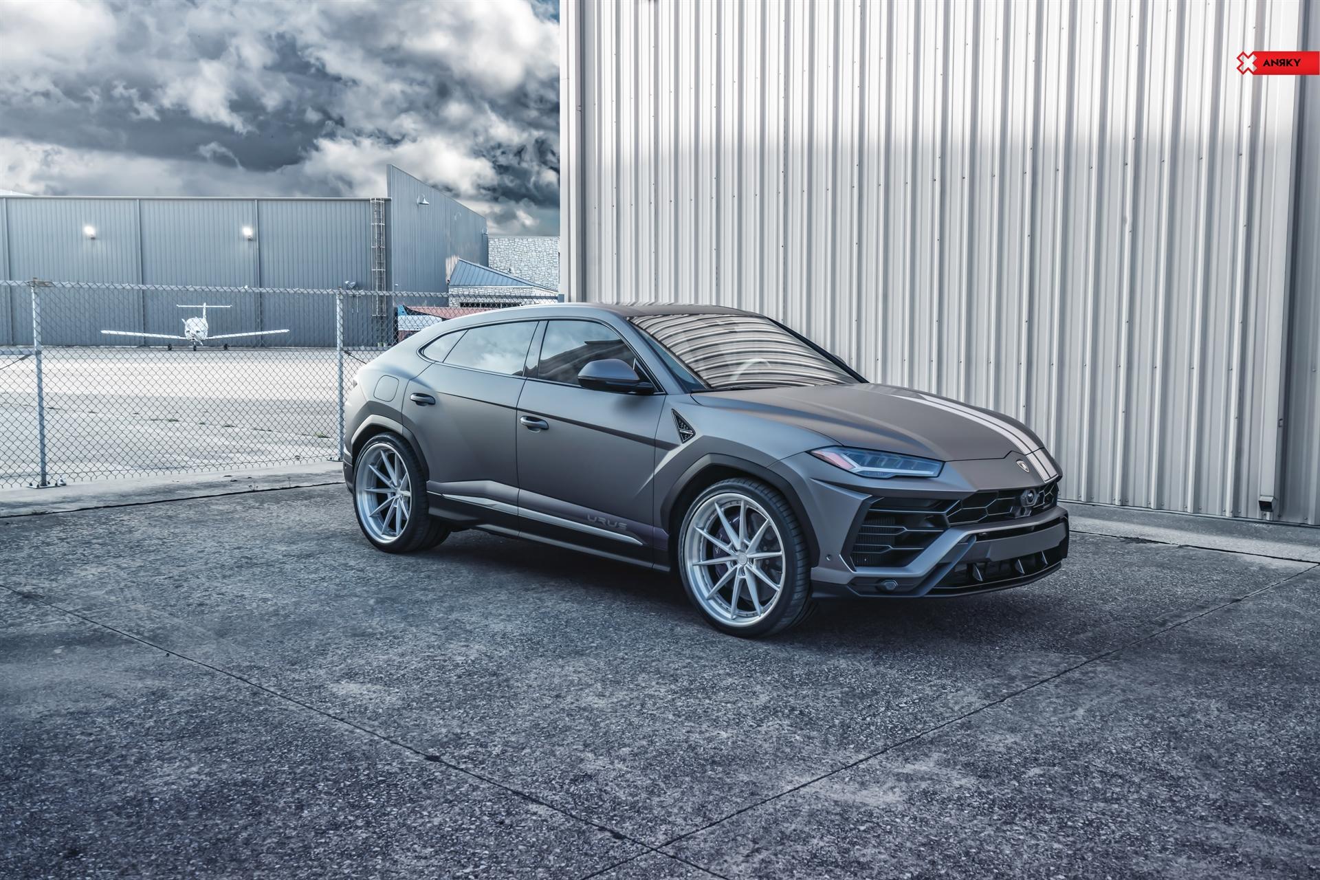 Lamborghini Urus – AN38 SeriesTHREE