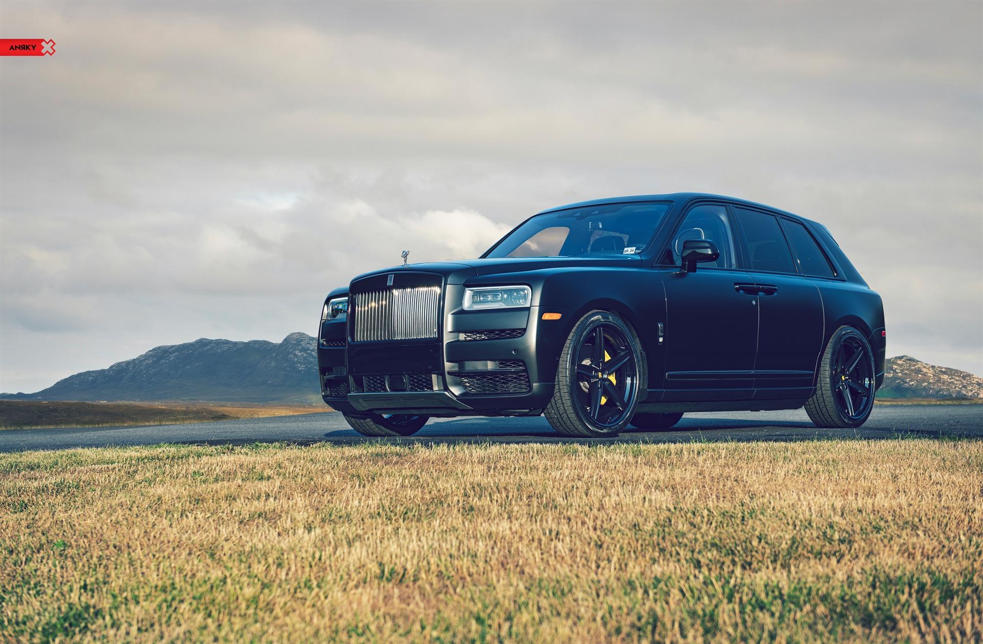 Rolls Royce Cullinan – AN35 SeriesTHREE